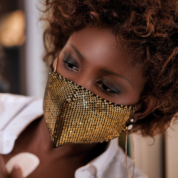 FAS-GOLD-fashion-mask-glamour-gold-anwendung